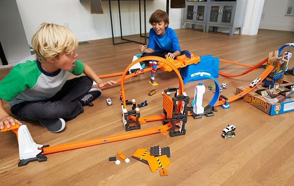 Hot Wheels Track Builder Box Develops Problem Solving Skills